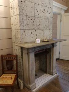 暖炉です。昔、使っていたのかと思うと素晴らしいですね